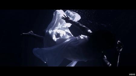 Kelly Rowland - Dirty Laundry